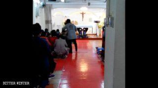Il Fujian accresce il controllo sui cattolici clandestini