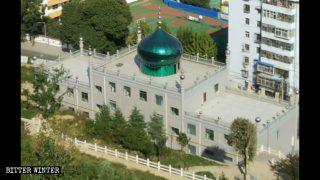 La campagna per deturpare le moschee nella Cina occidentale accresce l'ansia dei musulmani hui