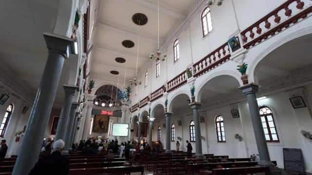 Una chiesa cattolica, non affollatissima, a Jinzhu, Hebei